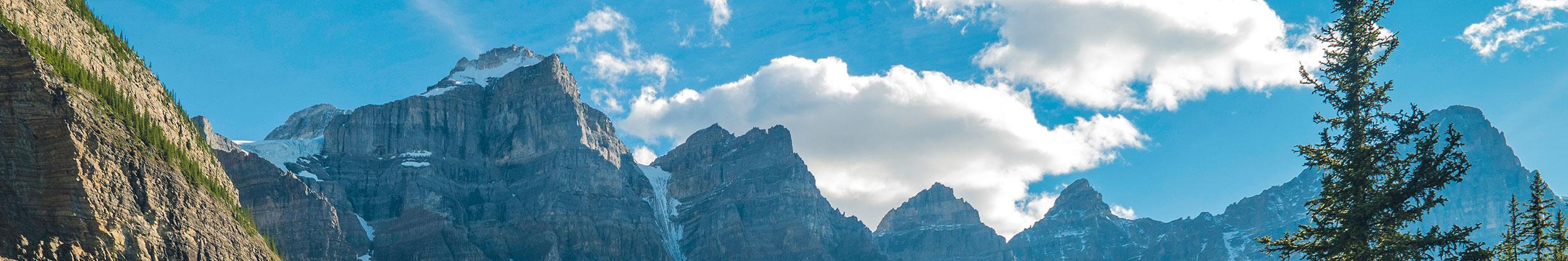 Kanada Berge und blauer Himmel